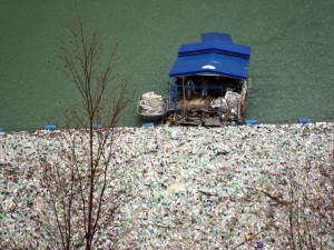 Izvlačenje plutajućeg otpada